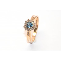 9ct Gold Diamond (0.25pts) and Topaz Heart Cluster Ring